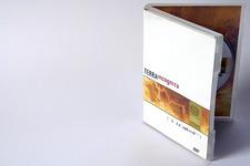 Terra incognita | DVD Package: Vorne, stehend, leicht geöffnet